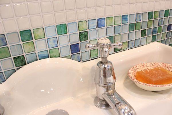 洗面 台 水 は ね 防止